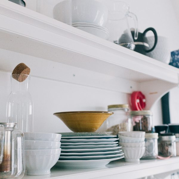 Step by step guide to decluttering your home