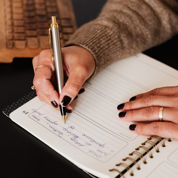 how to use journal prompts for self discovery