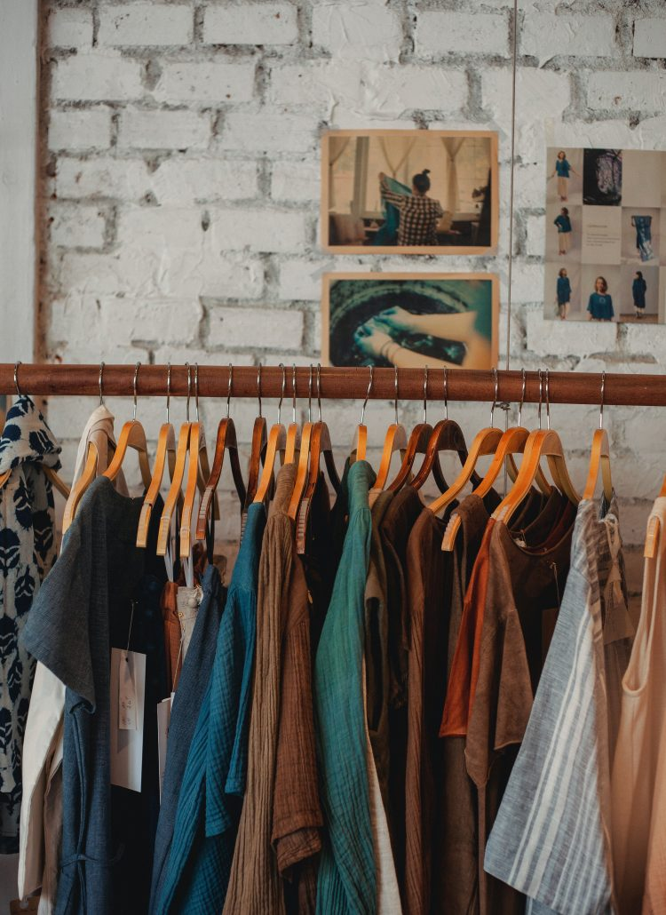12 Practical tips on How to find time to declutter
